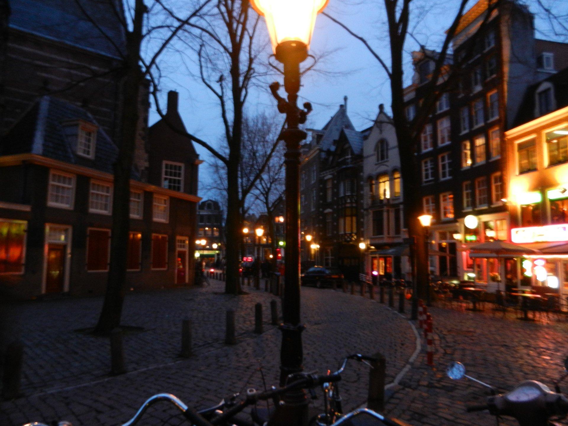 Belanda Tanpa Reklame 3